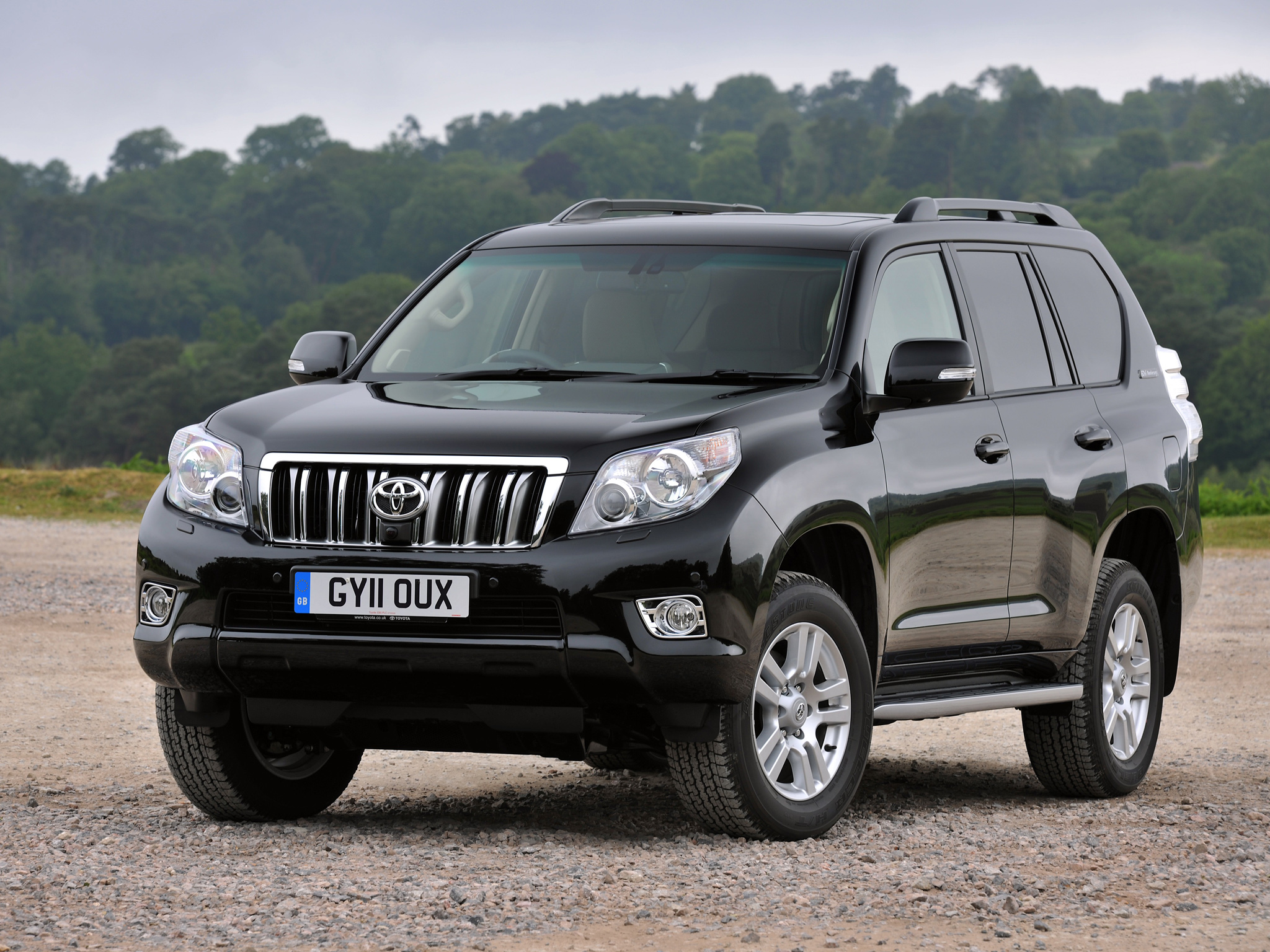 toyota-land-cruiser-prado-01